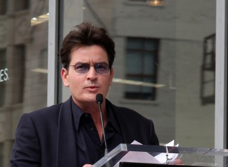 Charlie Sheen's 'Friends' Blackmailed Him Over HIV-Positive Status