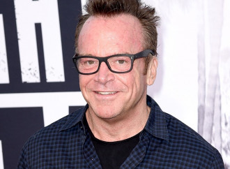 Tom Arnold Pens Passionate Essay Arguing for Gun Control After Nephew's Suicide