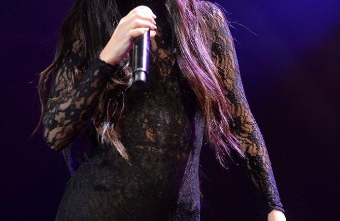 Selena Gomez Chops Off a Ton of Her Hair — See the Dramatically Shorter Bob Cut!