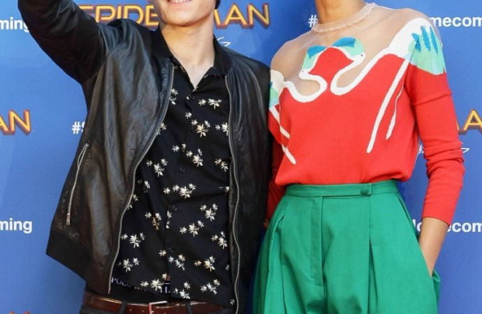 Zendaya and 'Spider-Man' Co-Star Tom Holland Are Dating