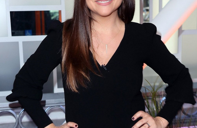 Going back to school (and the cafeteria) with Tiffani Thiessen