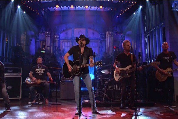 Jason Aldean Opens 'SNL' With Tom Petty's 'I Won't Back Down,' Tribute to Las Vegas Shooting Victims