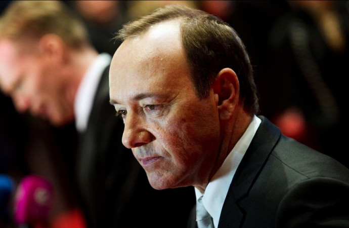 Kevin Spacey to seek 'evaluation and treatment'