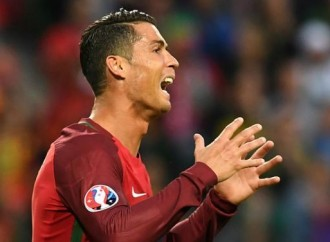 'Ronaldo is the best athlete ever… and the greatest person in the world!'