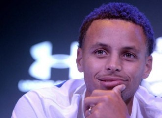Stephen Curry: If you can't afford my camp, go to my brother's camp