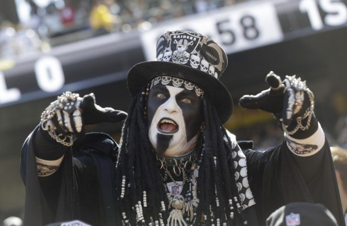 The Raiders are so good, even the punter's dancing