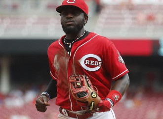 Brandon Phillips reportedly more open to waive no-trade clause