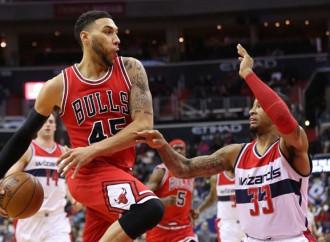 Denzel Valentine makes eight threes in Windy City Bulls win