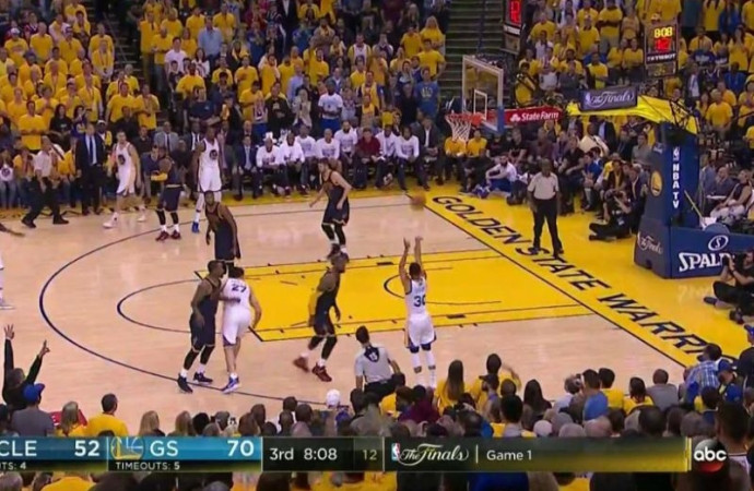 Steph Curry shook the life out of LeBron James
