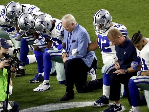 Kneeling Cowboys debunked popular fake news meme featuring Jerry Jones