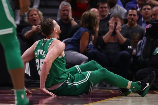 Boston Celtics forward Gordon Hayward suffers fractured left ankle