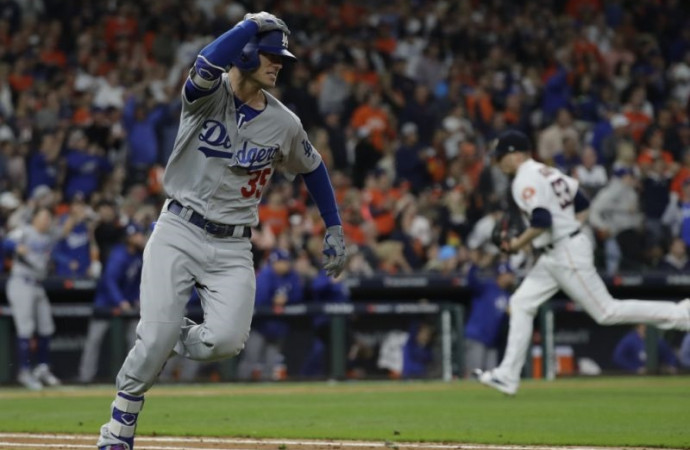 World Series Game 4: Dodgers explode for five runs in 9th inning to even series in Houston