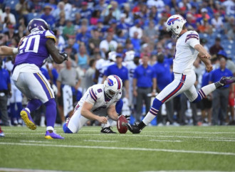 Investigation: Did Bills kicker really pee on the sideline?