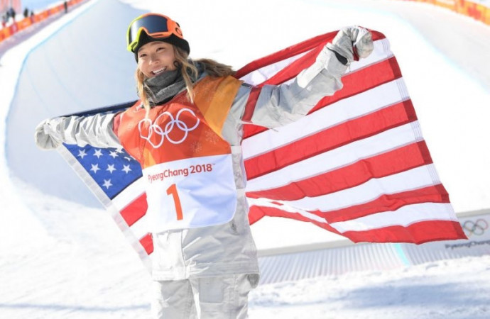 Shaun White delivers dramatic finish to win third Olympic gold medal in halfpipe