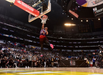 Jazz rookie Donovan Mitchell tops Cavs' Larry Nance Jr. to win 2018 Verizon Slam Dunk contest