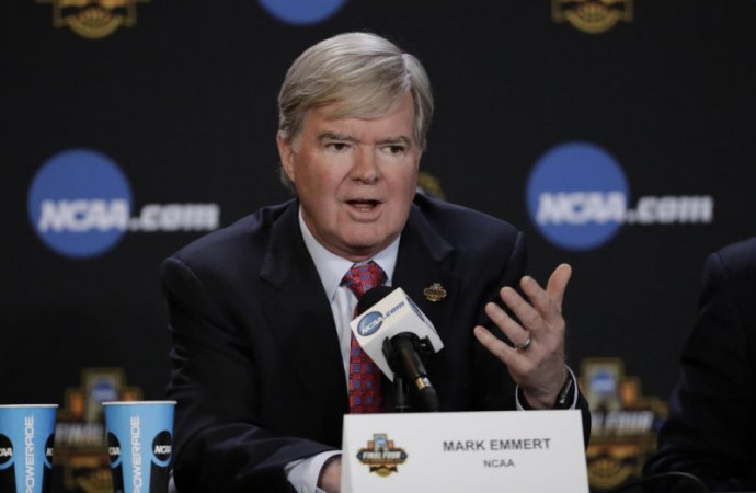3 rule changes that could help save college basketball