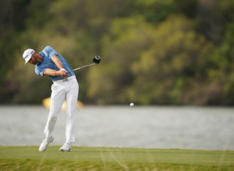 Dustin Johnson hits drive nearly 500 yards(!), but it won't count as a PGA Tour record