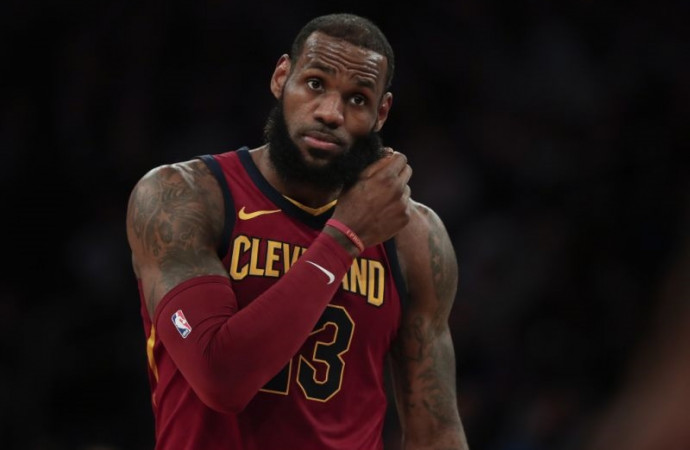 Pacers stun Cavs, hand LeBron James his first Round 1 loss since 2012