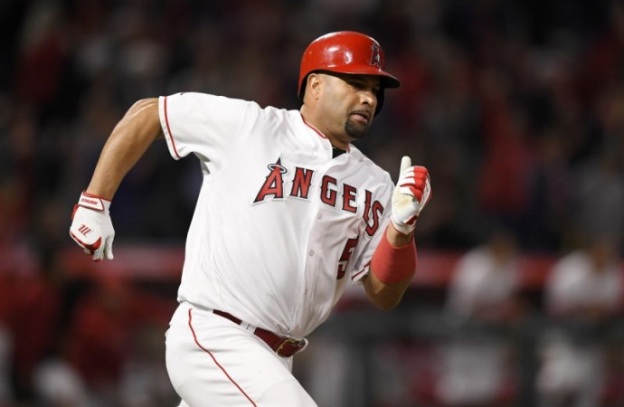 Angels slugger Albert Pujols joins 3,000-hit club