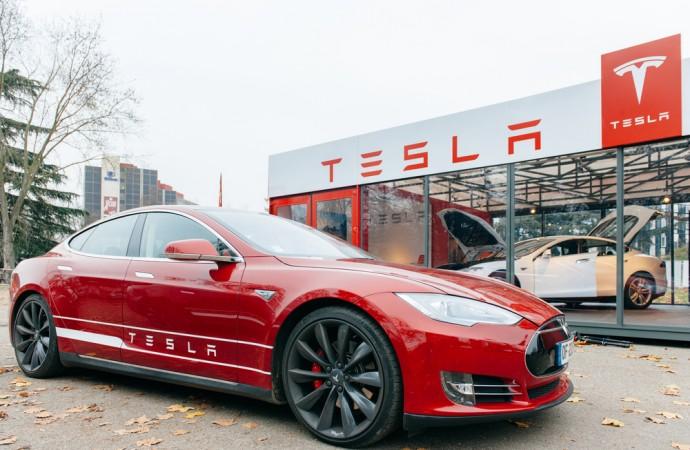 Tesla to Create Self-Driving Electric Car in 3 Years
