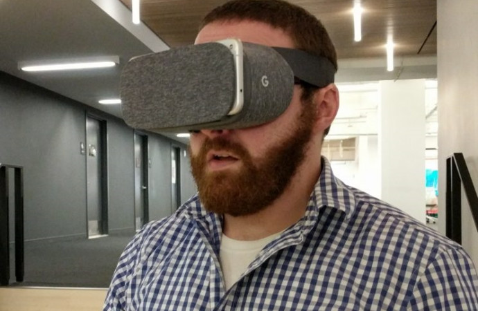 Why you might want to hold off on buying Google\'s new VR headset