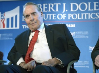 Bob Dole: I'm supporting 'flawed' Trump