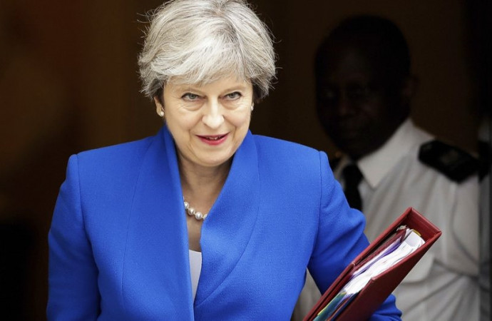 Divided UK, inconclusive election could put brakes on Brexit
