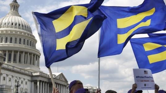 Trump tells Mattis to indefinitely ban transgender recruits